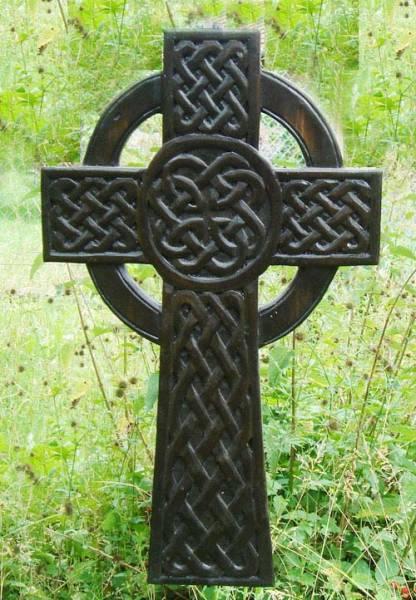 Highlander Kreuz Schnitzerei Keltenkreuz