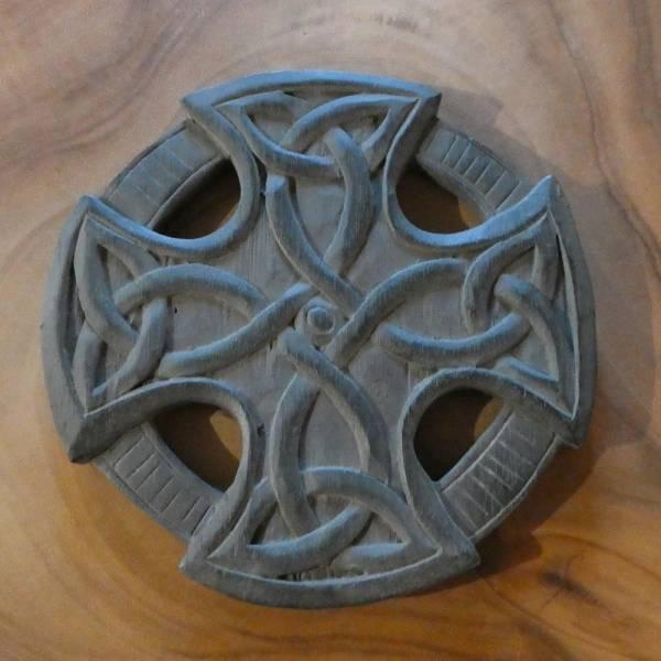 Keltenkreuz Schnitzerei Holz keltisches Kreuz