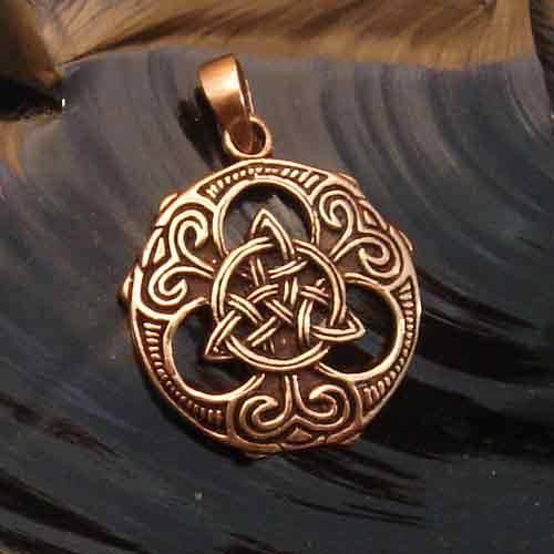 keltischer Schmuck Tris Shild Bronze Anhänger