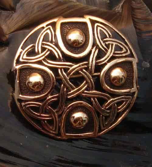 Bronze Brosche Keltenknoten