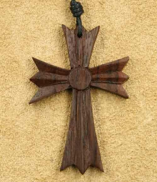 gothisches Kreuz Schmuck Holz