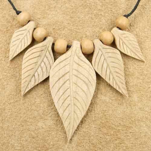 Schmuck Holz Blätter Collier