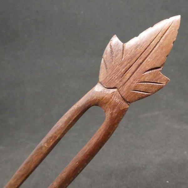 Haarstab Holz Motiv Blatt
