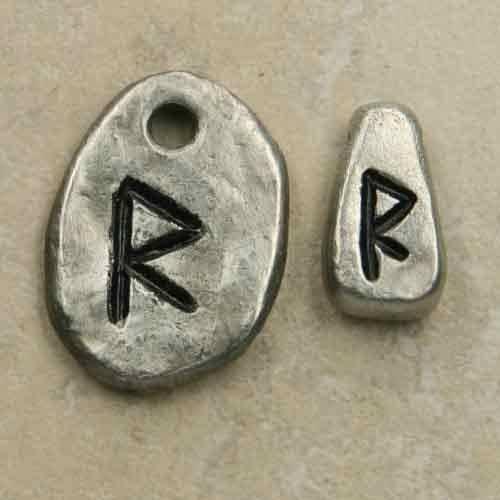 Rune Raidho aus Schmuckzinn