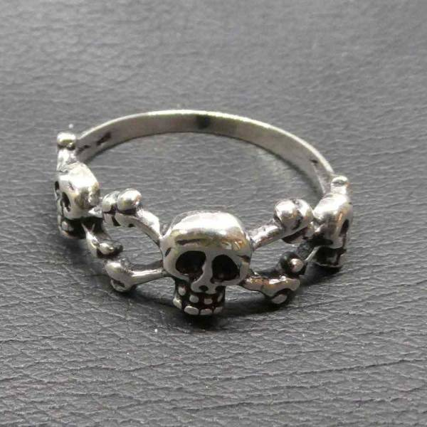 Crossbone Schmuck Ring Silber Gothik