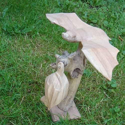 Fledermaus Schnitzerei 28cm hoch
