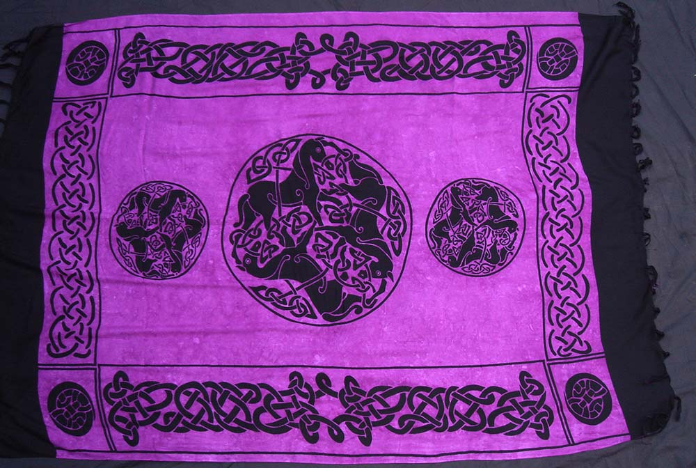 Tuch keltische Pferde lila